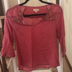 Salmon colored Aerie shirt
